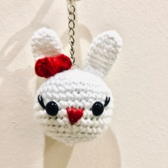 Amigurumi tavşan anahtarlık