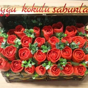 Mis Sabundan Sandıkta Kırmızı Güller