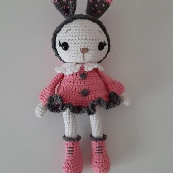 Amigurumi Pembe Elbiseli Tavşan