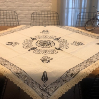 110x110 Taş baskılı masa örtüsü