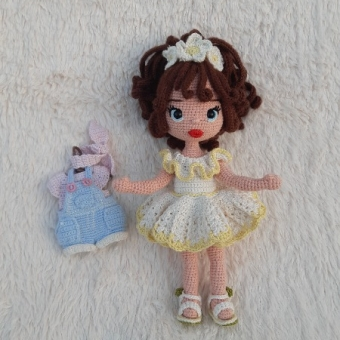 Amigurumi oyuncak bebek(2 elbiseli)