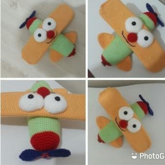 Amigurumi uçak oyuncak