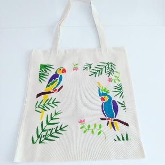 El boyama tropikal desenli bez çanta