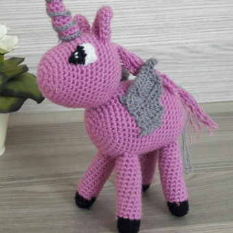 Amigurumi Tek Boynuzlu At (Unicorn)