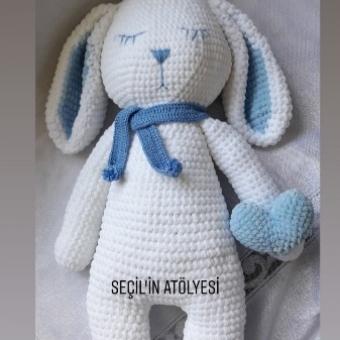 Mia Uykucu Tavşan
