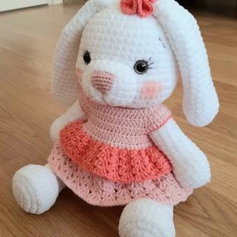 Kadife amigurumi tavşan