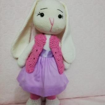 Amigurimi uzun kulaklı tavşan