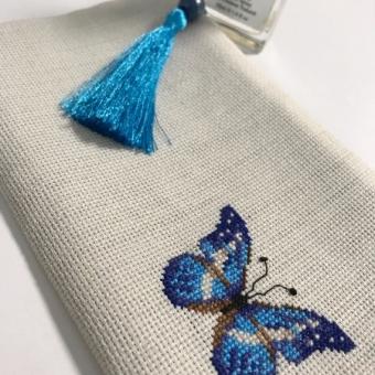 Mavi Kelebek Kanaviçe Cüzdan