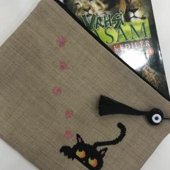 Kara Kedi Kanaviçe Clutch