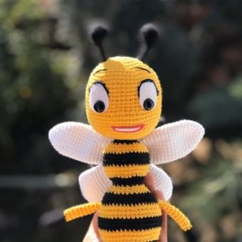 Amigurumi arı