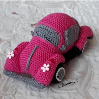 Amigurumi oyuncak araba