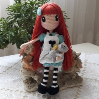 Amigurumi gorjuss girl