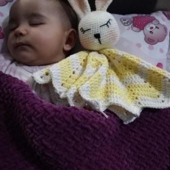 Amigurumi Uyku Arkadaşı Tavşik