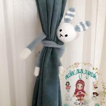 Amigurumi Tavşan Perde Tutacağı