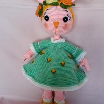 Amigurumi Yeşil elbiseli tavşan