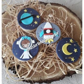 Uzay konseptli kurabiyeler