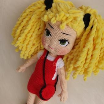 amigurumi sarı kadife saçlı bebek