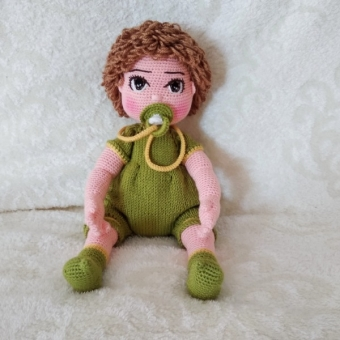 Amigurumi Emzikli tombul erkek bebek