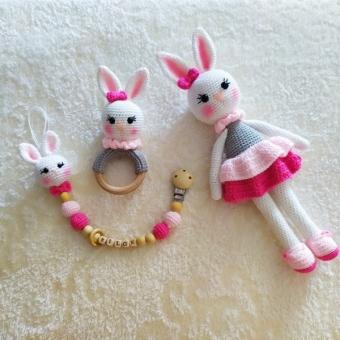 Amigurumi oyuncak tavşanlı emzik seti