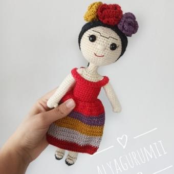 Amigurumi Frida Kahlo