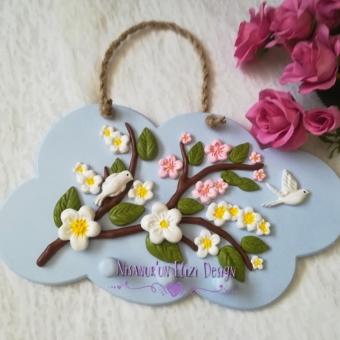 Kokulu Taş Pembe ve Beyaz Çiçekli Anahtarlık Pano