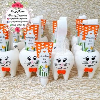 Kokulu Taş Tavşan Diş Saksıda Diş Macunu Ve Diş Fırçası