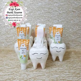 Kokulutaş Diş Saksıda Turuncu Yeşil Diş Macunu Ve Diş Fırçası