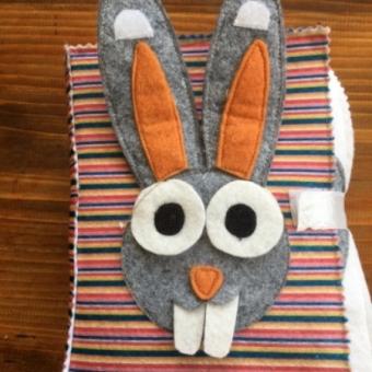 Montessori keçe kitap tavşan