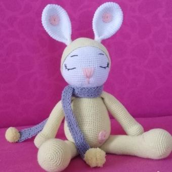Amigurumi uyku arkadaşı tavşan